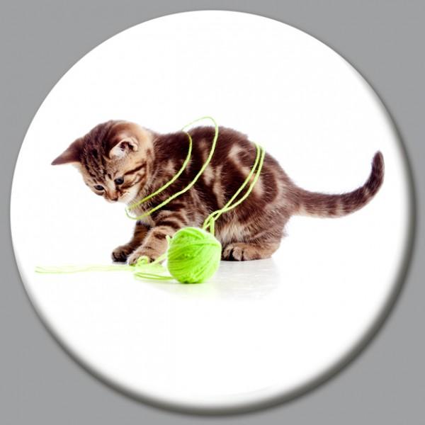 Magnet Katze - Katze mit Wollknäuel - Ø 5 cm